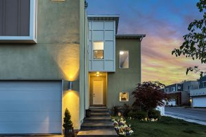 3 Key Factors in Optimizing Energy Savings from an Insulated Garage Door